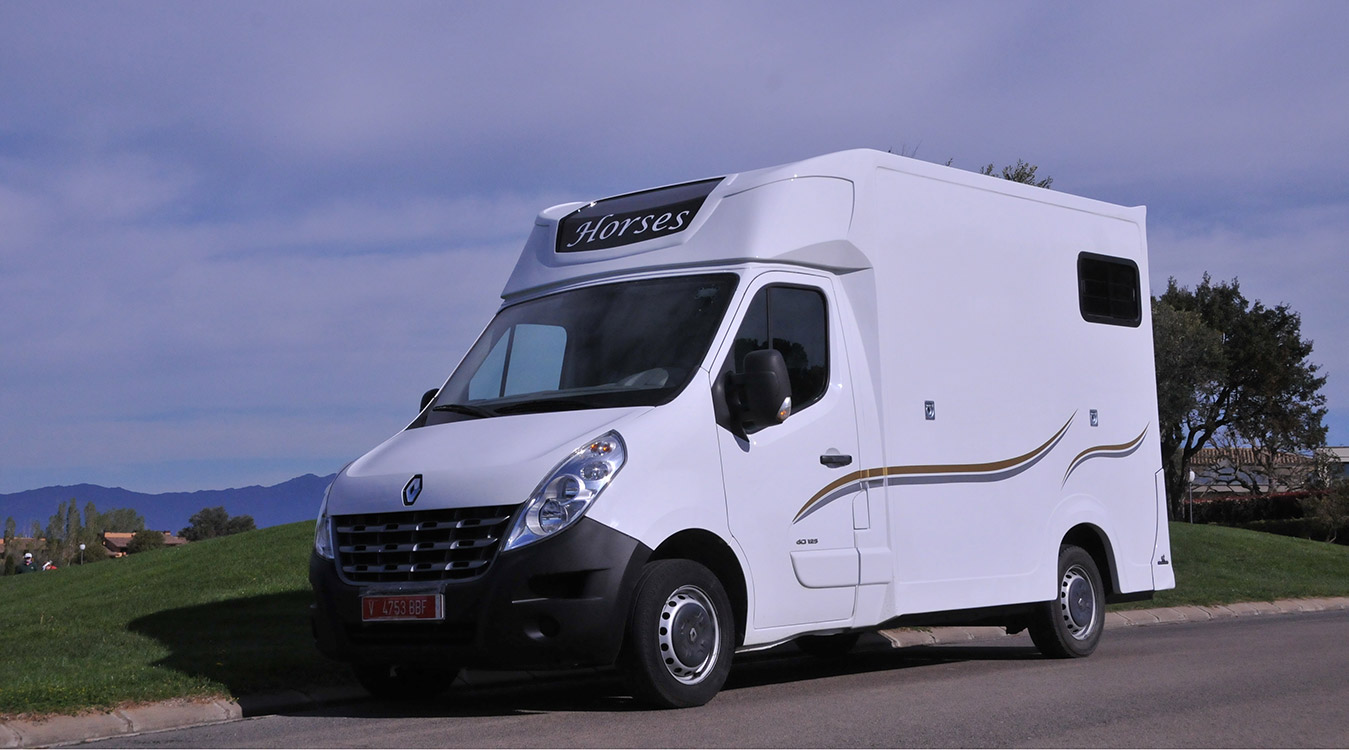 Camión caballos – ECOSTAR- Carrosserie Ameline – A descubrir