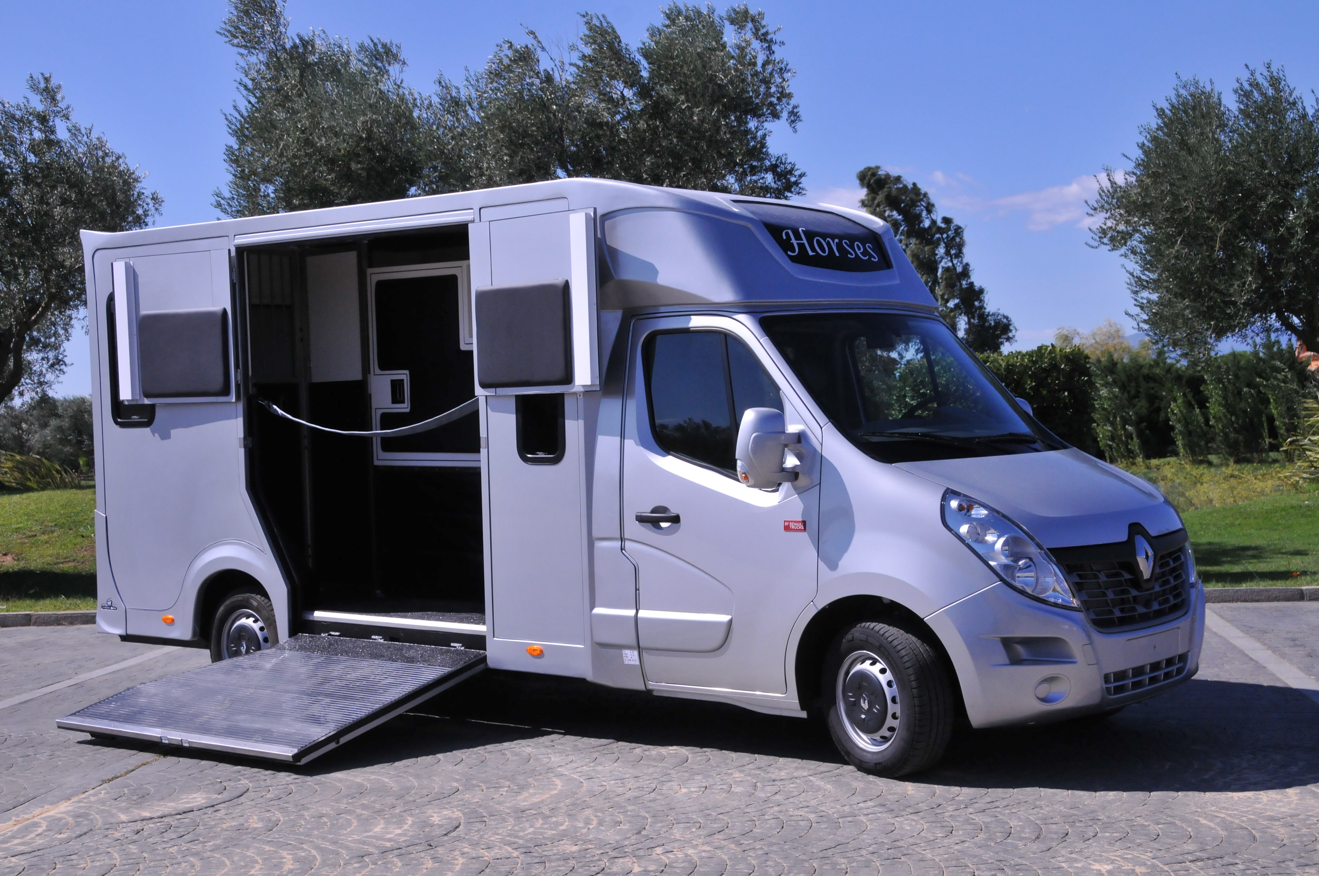 camion chevaux stalle haras